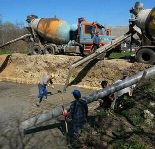 Подача бетона на место укладки